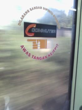 Salah satu atribut keterangan di dalam commuter